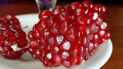 How To Make Pomegranate Juice! The BEST Way To Open & Eat