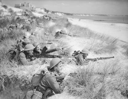 Men of 7th Battalion, The Green Howards on an exercise
