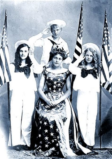 Old Picture - Patriotic Queen - 4th of July - The Graphics
