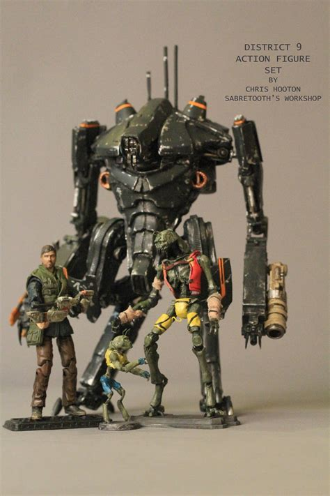 """Super Punch: 3 3/4""""-scale custom District 9 action figures"""