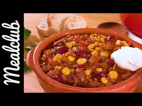 """""""Old Iron Pot'' family-style chili - American Cowboy"""